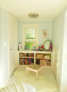 Beautiful Kids Room - Love the wall color: Benjamin Moore Glass Slipper
