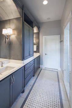 ideas bath room layout narrow sinks for 2019 Narrow Bathroom Cabinet, Small Bathroom, Master Bathroom, Bathroom Design Layout, Bathroom Interior Design, Layout Design, Tile Layout, Design Ideas, Interior Decorating