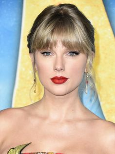 Taylor swift at cats movie premiere Taylor Swift Sexy, Taylor Swift Pictures, Taylor Alison Swift, Taylor Swift Phone Number, Jesy Nelson, Faith Hill, Keith Urban, Lorde, Carrie Underwood