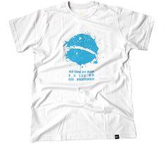 """T-shirt Azul Mamão.  """"Ao som do mar e à luz do céu profundo"""""""