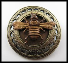 Vintage Bee Button