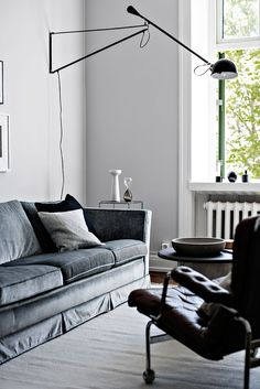 Scandinavian Christmas Decor For Your Living Room That You Can't Miss Scandinavian Christmas Decorations, Scandinavian Interior, Scandinavian Living, Basement Makeover, Compact Living, Beautiful Interior Design, Indoor Outdoor Living, All You Need Is, Interior Inspiration
