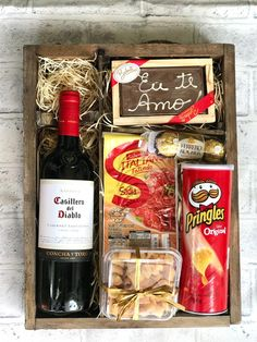 Bff Gifts, Wine Gifts, Easy Gifts, Food Gifts, Birthday Gifts For Best Friend, Birthday Gifts For Boyfriend, Birthday Gifts For Girls, Christmas Gift Baskets, Homemade Christmas Gifts