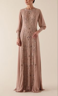 The BINITA Gown features an embroidered centred panel in matching coloured thread. This simple silhouette is a stunning, elegant piece which is slightly tailored at the waist to create a more tailored fit. Modest Dresses, Simple Dresses, Pretty Dresses, Modest Fashion, Hijab Fashion, Muslim Gown, Hijabi Gowns, Hijab Style Dress, Fantasy Gowns