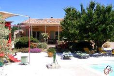 Votre achat immobilier entre particuliers réalisé dans le Vaucluse avec cette villa située à Lacoste http://www.partenaire-europeen.fr/Actualites/Achat-Vente-entre-particuliers/Immobilier-maisons-a-decouvrir/Maisons-a-vendre-entre-particuliers-en-PACA/Villa-provencale-F4-proche-commodites-quartier-residentiel-grand-terrain-piscine-ID2804483-20151018 #maison