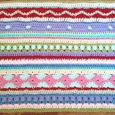 baby blanket pattern, site in German it's a crochet a long do there are numerous posts Striped Crochet Blanket, Crochet Blanket Edging, Crochet Bedspread Pattern, Plaid Crochet, Crochet Stitches Patterns, Knit Or Crochet, Crochet Afgans, Carina, Week 5