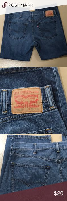 💙 Men's Levi's 559 38/30 💙 Men's Levi's 559 Relaxed Straight Fit Jeans in excellent preloved condition. Size W38, L30. No obvious signs of wear, no rips, holes or tears. Measurements available upon request. Bundle for more savings and I'm open to offers. Levi's Jeans Relaxed