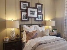 Quadros são bem-vindos em vários ambientes na casa. No quarto, por exemplo, eles podem ser colocados atrás da cama deixando o ambiente ainda mais harmonioso e cheio de estilo! 😉