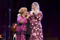Mavis Staples Sings With Margo Price, Jason Isbell at Nashville Birthday Show The Staple Singers, Margo Price, Marty Stuart, Nick Lowe, Mavis Staples, Elle King, Country Music News, Get Funky, Sheryl Crow