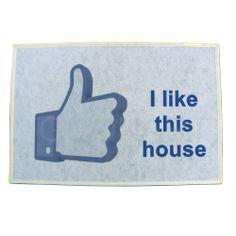 Personalizza il tuo ingresso con questo tappeto originale, grafica I like this house creata da ANGELOWEB su Goonart