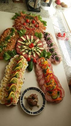 Amazing Food Decoration, Danish Food, Danishes, Party Platters, Eat Smart, Kids Meals, Tapas, Brunch, Food And Drink