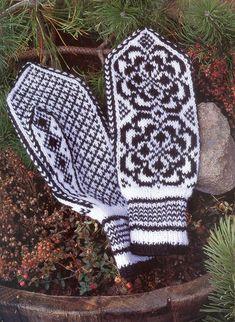 "Photo from album ""Norske Luer - Norske Votter"" on Yandex. Mittens Pattern, Knit Mittens, Knitted Gloves, Knitting Socks, Knitting Charts, Knitting Stitches, Knitting Patterns, Scandinavian Pattern, Fair Isle Knitting"