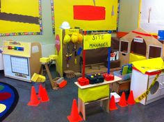 Little carpenters hard at work - preschool adventures Learn Woodworking, Custom Woodworking, Woodworking Projects Plans, Community Workers, Community Helpers, Construction Theme, Creative Curriculum, Playroom Design, Simple Machines