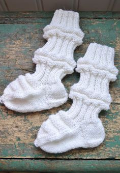 Baby Booties, Loom, Christmas Stockings, Socks, Bacon, Craft, Google Search, Needlepoint Christmas Stockings, Sock