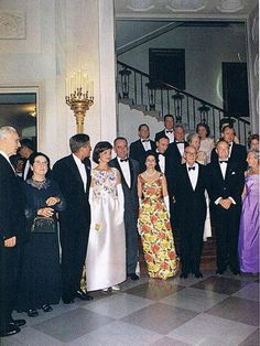Les Kennedy, Caroline Kennedy, Robert Kennedy, First Lady Portraits, Jaqueline Kennedy, Iconic Dresses, Vintage Glamour, Famous Women, Movies