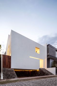 The Cave House in Mexico by Abraham Cota Paredes Arquitectos. This minimalist dream is the brainchild of Abraham Cota Paredes who designed a home that appears solid & private from the outside, and bright & airy within. Minimalist Architecture, Contemporary Architecture, Contemporary Houses, Decor Interior Design, Interior Design Living Room, Room Interior, Interior Designing, Residential Architecture, Architecture Design