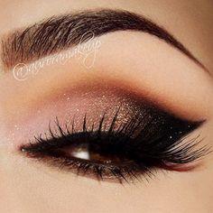 A glam cat eye