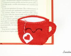 Artículos similares a Book Lover Mothers day bookmark tea bag mum gift red bookmark felt, tea lover, italy gift for her, bookworm gifts, planner accessories en Etsy Felt Bookmark, Corner Bookmarks, Gifts For Bookworms, Felt Christmas Decorations, Gifts For Mum, Couture, Book Lovers, Book Worms, Etsy