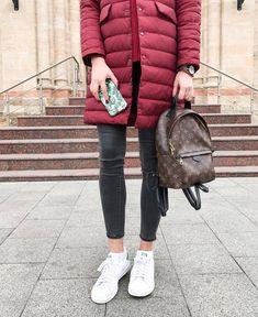 927 отметок «Нравится», 61 комментариев — Anna Lazdina (@annalazdina) в Instagram: «Не знаю как вы, а я скучала по своим #flatlay ❤️ Давно у меня не было времени, чтобы помедитировать…» Louis Vuitton Backpack, Louis Vuitton Handbags, Tommy Hilfiger, Winter Jackets, Backpacks, My Style, Accessories, Outfits, Clothes