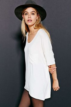 lazy day tee // urban outfitters