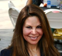Greatly appreciated for Nely Galan' advice. Young Female Entrepreneurs Learn from Latina entrepreneur and real estat...