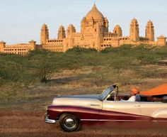 Taj Umaid Bhawan Palace - the largest private royal residence in India. A luxury palace accommodation that treats you nothing less than a royalty. Best Resorts, Best Hotels, Umaid Bhawan Palace, Holistic Treatment, Royal Residence, Dehradun, North India, Jodhpur, Outdoor Pool