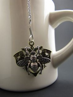Mesh Tea Ball with Bee Charm