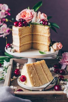 This is the best Vegan Vanilla Cake recipe! It's a fluffy, soft and moist vanilla layer cake with simple buttercream frosting. Easy to make and delicious! Vegan Buttercream Frosting, Mugcake Recipe, Vegan Vanilla Cake, Strawberry Cream Cakes, Bean Cakes, Vegan Cream Cheese, Cupcakes, Vegan Chocolate, Snack