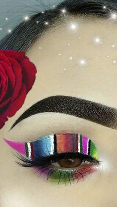 Makeup Inspo, Makeup Inspiration, Beauty Makeup, Makeup Hacks Eyeliner, Eyeshadow Makeup, Mexican Makeup, Creative Eye Makeup, Aesthetic Makeup, Eye Make Up