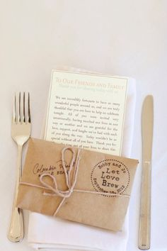 LOVE this idea for a Thank You note at the guest place setting! {Photography: Courtney Bowlden Photography}