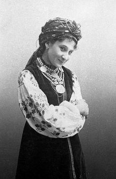 Єдина та неповторна Марія Заньковецька. Джерело: https://www.pinterest.com/ivaam0314/ukrainian-embroidery-ukrainian-culture-and-traditi/