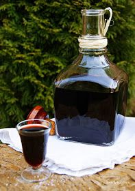 ogrody babilonu: nalewka na suszonych owocach Polish Recipes, Irish Cream, Wine Decanter, Chocolate Fondue, Barware, Juice, Food And Drink, Menu, Baking