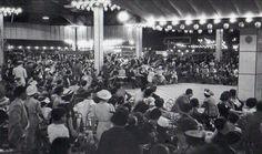 Cafe De Los Inmortales, en Corrientes 922. Una versión dice que el nombre se lo puso Florencio Sanchez.