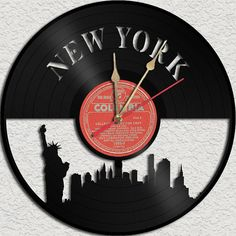 Sooo coool!!!     http://www.etsy.com/nl/listing/113208062/new-york-vinyl-record-clock-upcycled