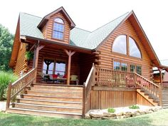 Browse interior and exterior log home photos of Honest Abe Log Homes from our log home, cabin or timber frame home standard floor plans or customized plans. Log Cabin Plans, Log Cabin Homes, Log Cabins, Log Home Living, Log Home Decorating, House Deck, Timber Frame Homes, Home Photo, Inspired Homes