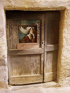 Valloria, a village with painted doors