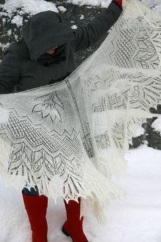 Шаль с ажурными цветами Saana Дизайнера Криста Беккер Free