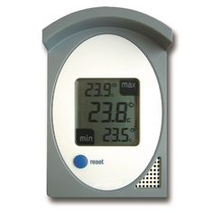 Digital outdoor max min thermometer in a grey and white case with a large splashproof display for outdoor and indoor use.