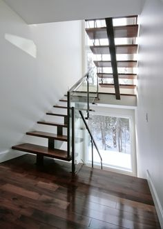 1000 images about stairs on pinterest floating stairs railings and modern - Escalier a limon central ...