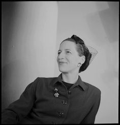 Portrait of Diana Vreeland. Photograph by Louise-Dahl Wolfe. Courtesy of the Louise Dahl-Wolfe Archive, Center for Creative Photography, University of Arizona, © 1989 Arizona Board of Regents. Diana Vreeland, Creative Photography, Fashion Photography, Eccentric Style, Cecil Beaton, Vintage Glamour, Fashion Story, Fashion Editor, Film
