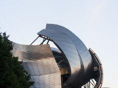 Frank Gehry  -  Pinned by www.modlar.com