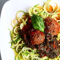 Zucchini noodles & veggie-packed meatballs was for dinner last night! The best part is it only took me 10 minutes to make since I prepared all of the ingredients ahead of time. • • For meatballs: preheat oven to 400 and cover a baking sheet with foil. In a food professor, add 1/3 sweet yellow onion, 1 cup zucchini, 1 lb organic grass-fed ground sirloin, 2 garlic cloves, 1/2 tsp oregano, 1/2 tsp rosemary, 1/2 tsp salt, and 1/4 tsp pepper. Blend until ingredients fully chopped and mixed, and…