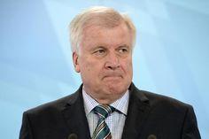Zunehmend Kritik an Flüchtlingspolitik der Kanzlerin http://web.de/magazine/politik/zunehmend-kritik-fluechtlingspolitik-kanzlerin-30924880