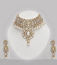 Kundan Choker Necklace With Pearls : Costume Jewellery, - Costume Jewelry, Fashion Jewelry, Indian Jewellery Online Shop Indian Jewelry Sets, Indian Jewellery Online, Indian Nose Ring, Fashion Jewelry, Women Jewelry, Women's Fashion, Bollywood Jewelry, Indian Earrings, Bridal Jewelry