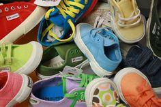 Una cascata di #colori ed #allegria con le calzature #Superga al Gigastore. www.angolodellosport.com