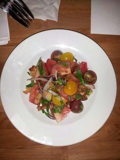 TOMATOES SALAD Tomato Salad, Meat, Chicken, Food, Tarts, Beef, Meal, Essen, Hoods