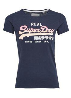 Superdry T-Shirt Logo Ombre Superdry, Logos, Mens Tops, T Shirt, Fashion, Supreme T Shirt, Moda, Tee Shirt, Fashion Styles
