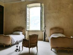 This Century French Chateâu is Transforming Into A Boutique Luxury Hotel Country Bedroom Design, French Country Bedrooms, French Country Style, French Country Decorating, French Chic, French Decor, French Furniture, Furniture Design, Cottage Furniture