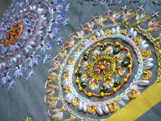detalhe do bordado da prof Mitie Muraoka / embroidery Ateliê Ida e Kika