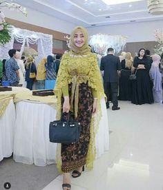 Kebaya Hijab, Batik Kebaya, Kebaya Muslim, Batik Dress, Kebaya Brokat, Dress Lace, Modern Hijab Fashion, Islamic Fashion, Muslim Fashion